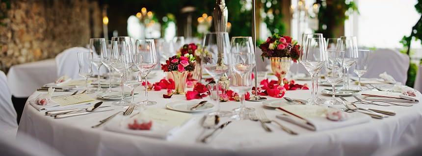 Table décorée pour un évènement éco-responsable
